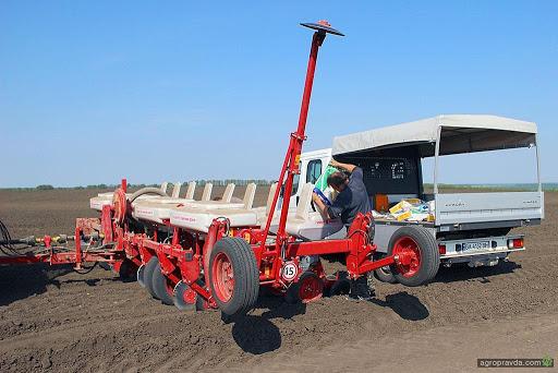 У Сумському НАУ тестують сучасну техніку для роботи в полях